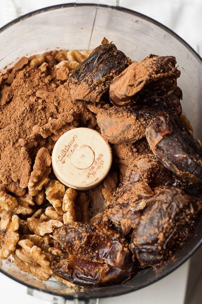 Date Sweetened No Bake Chocolate Bites; vegan, gluten-free and oil-free.