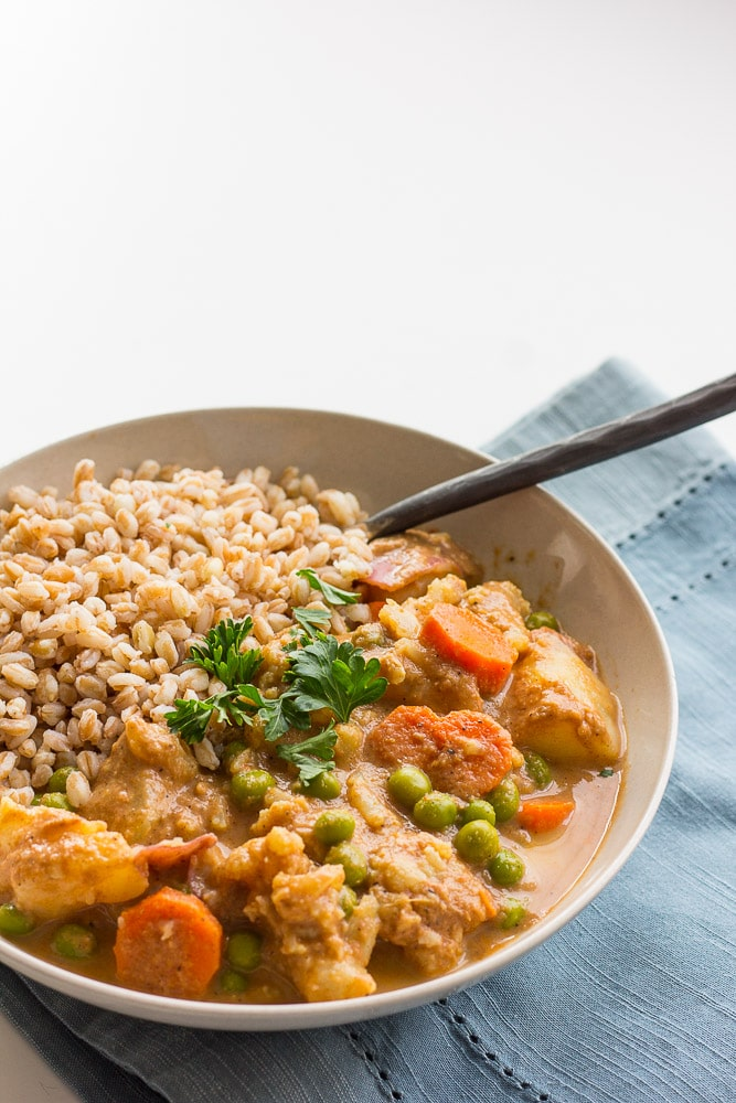 Quick and Easy Vegetable Korma: A super-simple take on vegetable korma, a classic Indian dish. V/GF