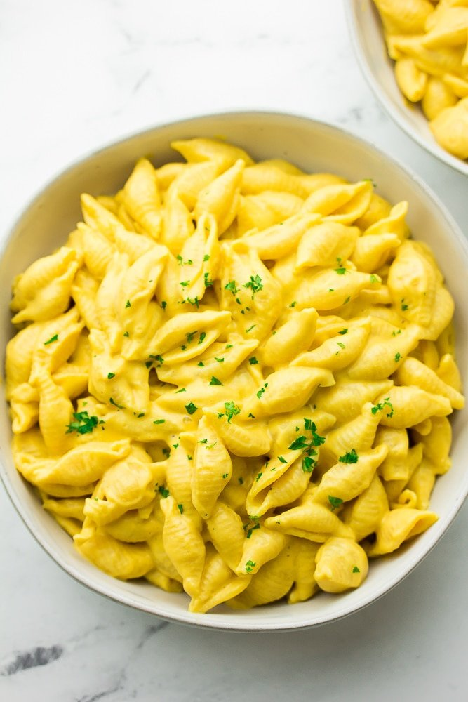 bowl full of mac and cheese shells