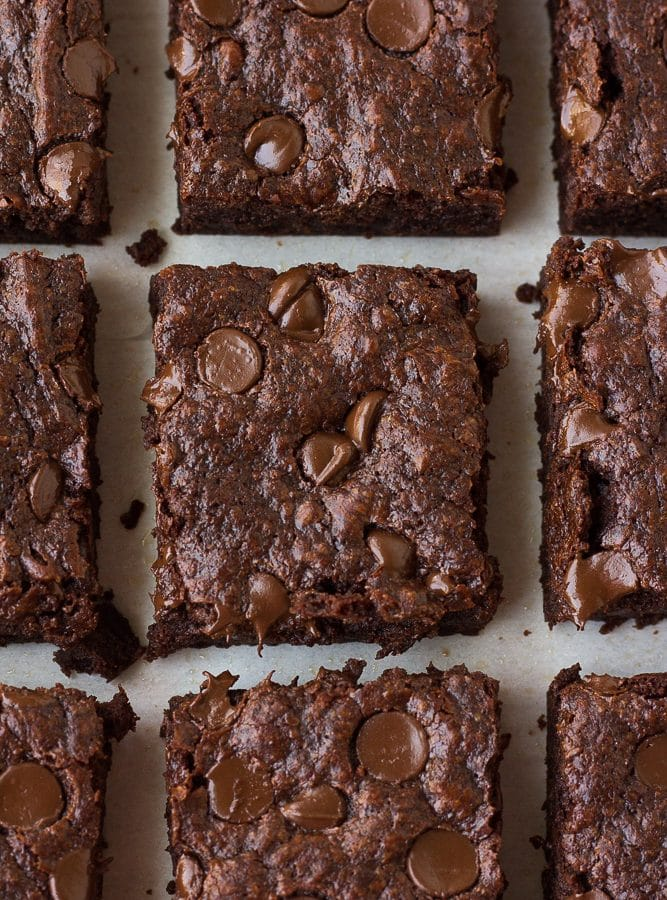 many vegan brownies lined up