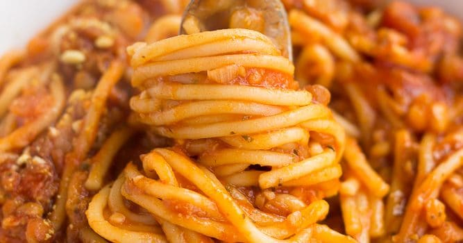 instant pot spaghetti, cooked twirled around a fork
