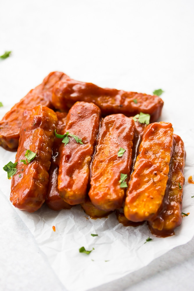 bbq tempeh with white background