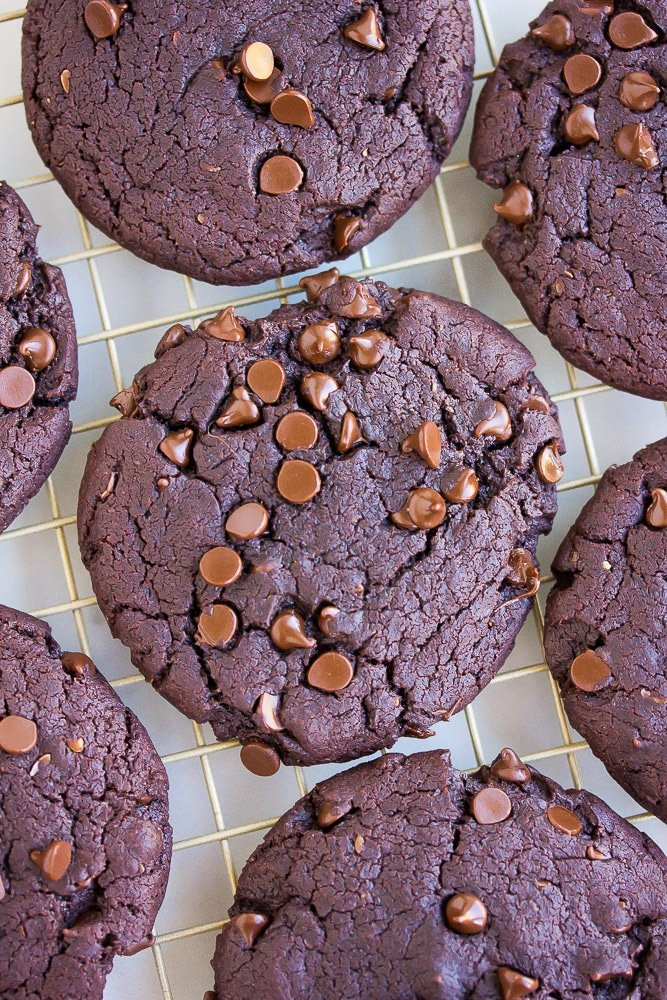 close up of chocolate cookies on cooling rack